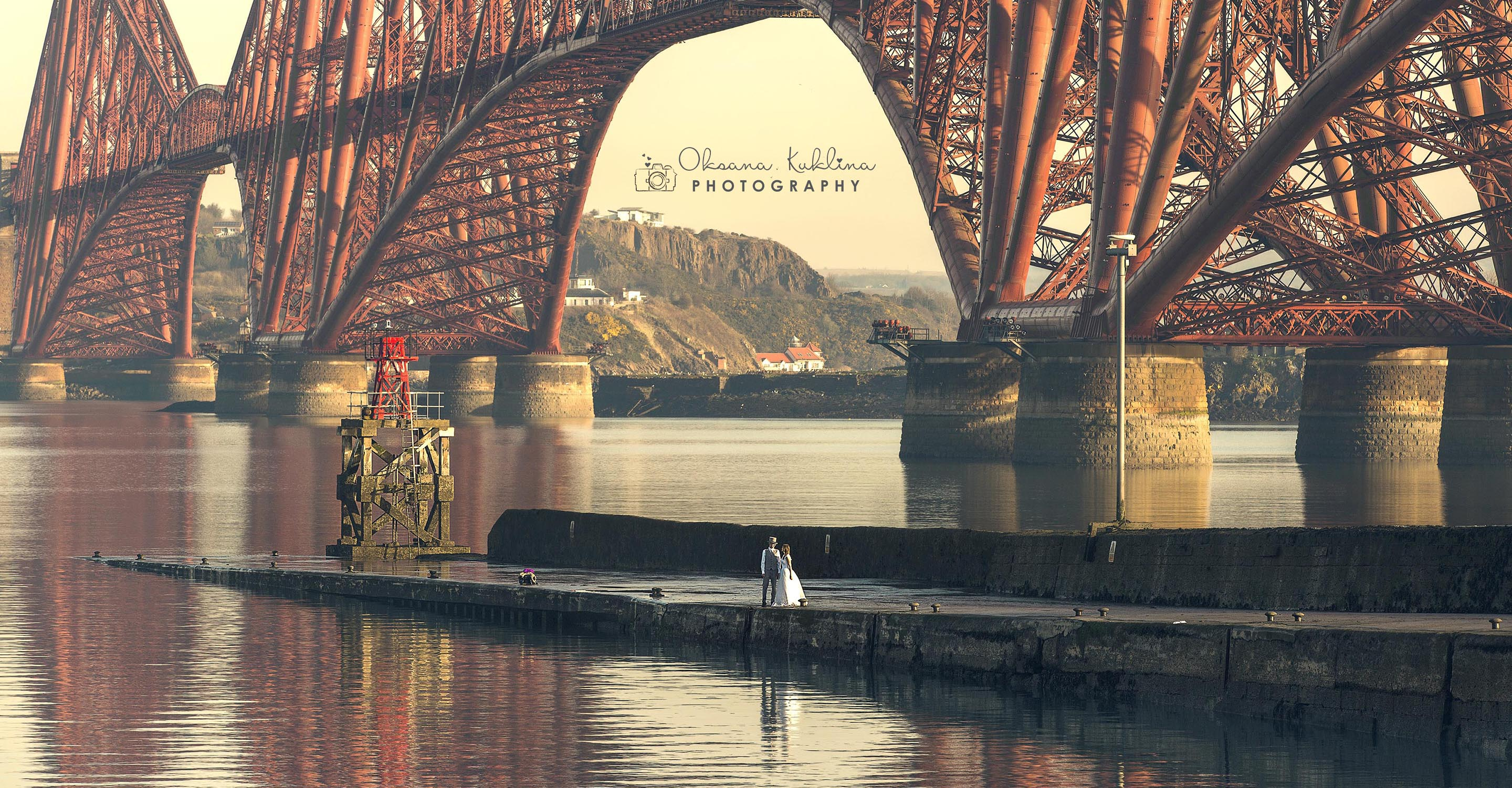The Forth Bridge Elopement Photographer - Edinburgh Wedding Photo  - Scotland adventurous elopement - Adventurous couple elopement